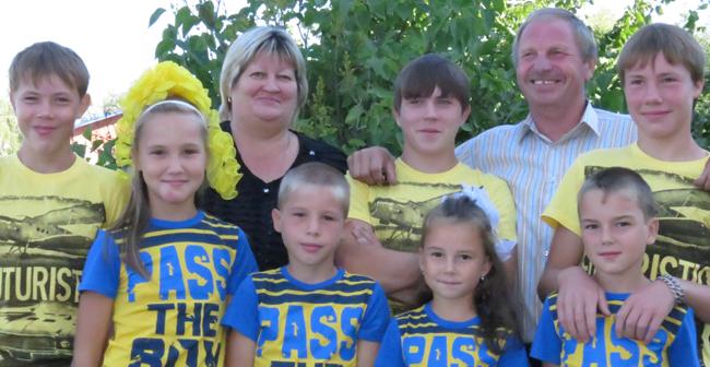 22 августа в Большой Соснове состоялись краевой фестиваль «Замещающая семья» и краевой конкурс «Лучшая многодетная семья»